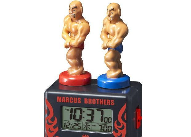 マッチョな兄弟が筋肉ピクピクで語りかける「リズム時計 マーカスブラザーズ」
